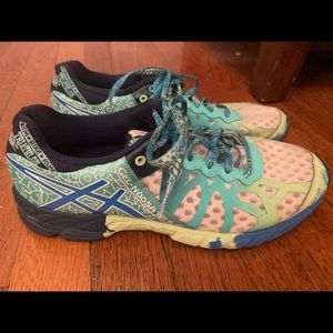 The amazing Gel Noosa Tri 9's by ASICS!